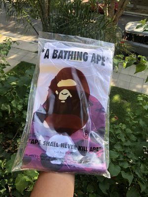 Bape ape head size large new for Sale in Byron, CA