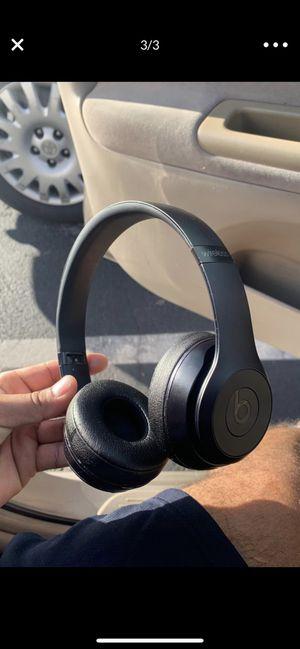 Beats solo 3 (WIRELESS ) for Sale in Phoenix, AZ