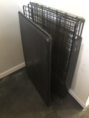 Kong Medium dog crate for Sale in Chicago, IL