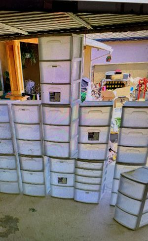 Storage Bin 3 drawer white plastic Rubbermaid for Sale in Norwalk, CA