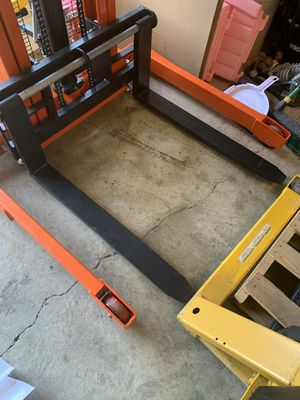 Pallet jack / stacker for Sale in Galloway, OH