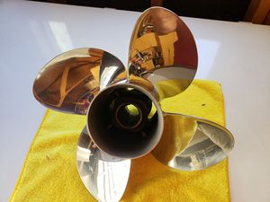 """Mercury Spitfire X7 propeller. 13.5"""" dia, 15 pitch for Sale in Phelan, CA"""