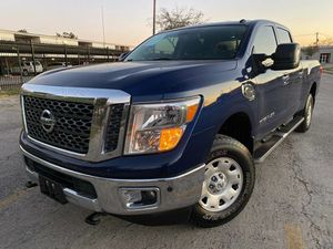 Nissan Titan 2017 XD SV 4x2 5.0L V8 turbocharger titulo limpio for Sale in Houston, TX