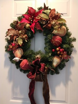 Christmas wreath with burgundy bow for Sale in Neenah, WI