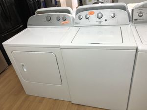Whirlpool white washer and dryer set for Sale in Woodbridge, VA