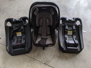 Recaro car seat with 2 bases for Sale in Gresham, OR