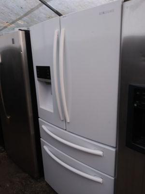 Samsung French Door Refrigerator for Sale in Plant City, FL