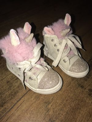 Cat & jack baby girl size 6 for Sale in Irving, TX