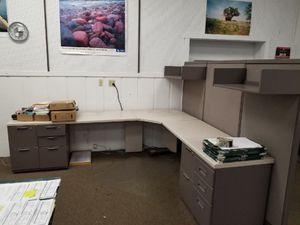 Heavy duty office cubicle desk furniture equipment. for Sale in Belleville, IL