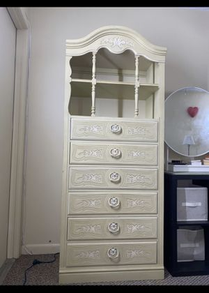 Beige tall drawer chest for Sale in Wilton Manors, FL