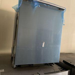 Like New! Electrolux Dishwasher for Sale in Corona, CA