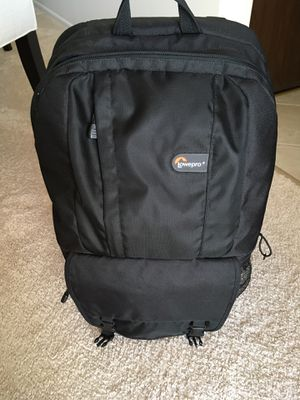 Like new! Lowepro camera case backpack for Sale in Glendale Heights, IL