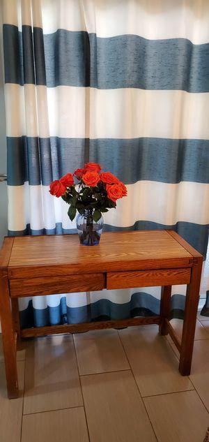 Small desk for Sale in Santee, CA