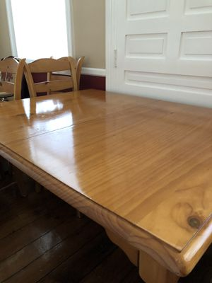 Pine Kitchen/Dining Room Table with leaf for Sale in Garrison, MD