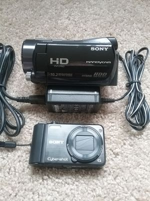 SONY HD HANDYCAM and SONY CYBERSHOT 16.2MP CAMERA BUNDLE. for Sale in Chula Vista, CA
