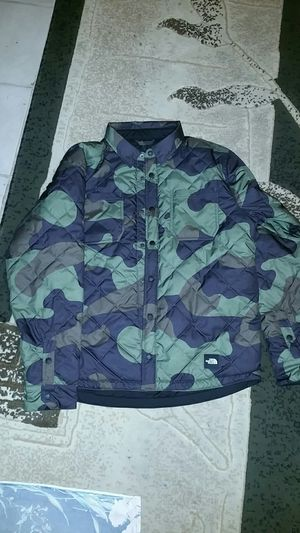 NORTH FACE REVERSIBLE FLANNEL JKT for Sale in Reedley, CA