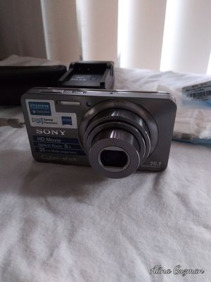 Sony cybershot camera for Sale in San Diego, CA