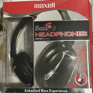 Maxell Bass Headphones With Mic for Sale in Queens, NY