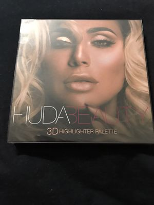 Huda Beauty Highlighter in Pink Sands for Sale in Tampa, FL