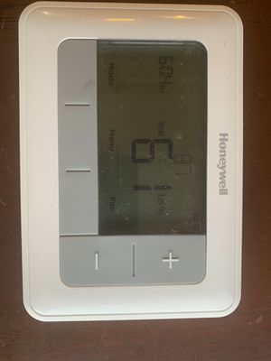 Honeywell Thermostat in Great Condition for Sale in Spanaway, WA
