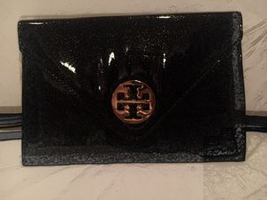 TORY BURCH Clutch Purse, Sparkly Black and Gold. for Sale in Los Angeles, CA