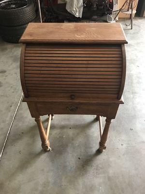 Antique desk for Sale in Hayward, CA