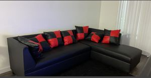Sectional Black Whit Pillows Red and Black. New for Sale in Miami, FL