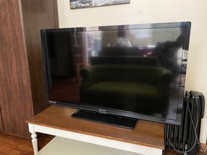 """Tv Emerson like new 45"""" x 27"""" LED, HDMI, Dolby Digital for Sale in Wayland, MA"""