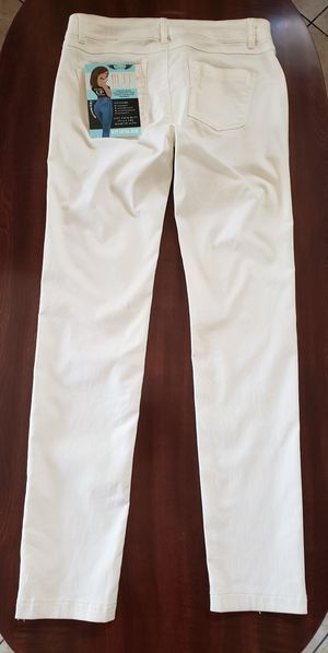 Junior's Butt lift skinny jeans size Medium. for Sale in Riverside, CA