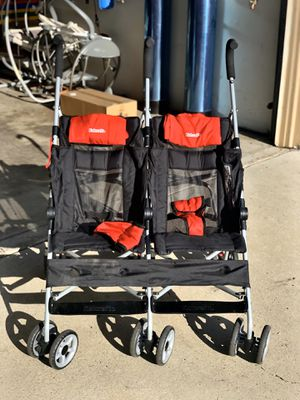 Kolcraft Double Stroller for Sale in Chula Vista, CA