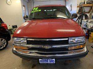 98 Chevy blazer4x4 for Sale in Solon Mills, IL