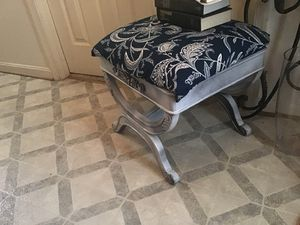 Small end bed stool for Sale in Sterling, VA