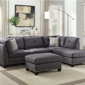 Laurissa Sectional Sofa & Ottoman for Sale in Orlando, FL