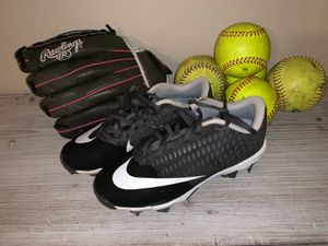 Youth nike softball cleats and rawlins glove for Sale in Waxahachie, TX
