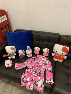 Hello kitty bundle - toys - 2t-5t robe for Sale in Gilbert, AZ