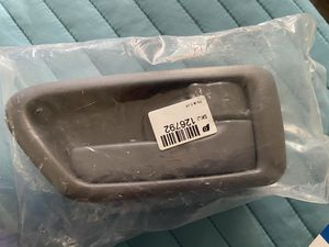Inside Door Handle Passenger Side For 1997-2001 Toyota Camry for Sale in Cathedral City, CA
