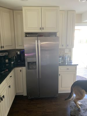 Whirlpool refrigerator for Sale in Downers Grove, IL