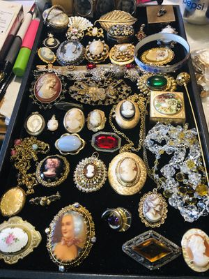 50 PC Lot Of Lovely Antique/Victorian/Art Deco Jewels for Sale in Piedmont, SC