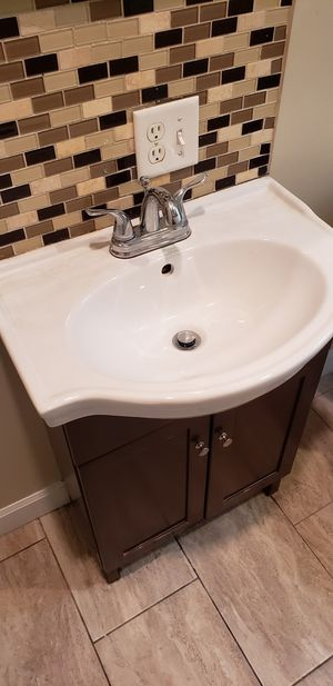 """Bathroom vanity set 24 """" for Sale in Chicago, IL"""