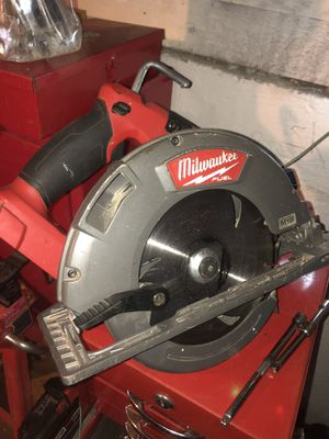 Milwaukee m18 fuel circular saw for Sale in Sumner, WA