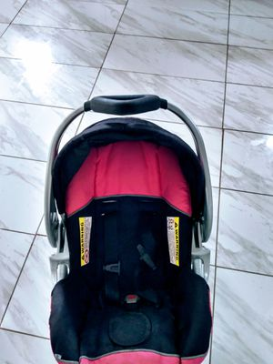 Car seat. Used a few times. Great condition for Sale in Scranton, PA
