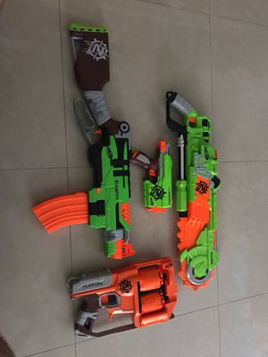 Lot of 4 NERF guns zombie strike edition for Sale in Miami, FL