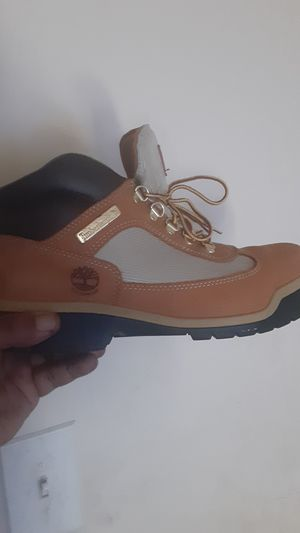 Butter timberlands size 9.5 for Sale in Wheaton, MD