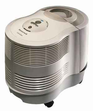 Honeywell quietcare humidifier for Sale in Issaquah, WA
