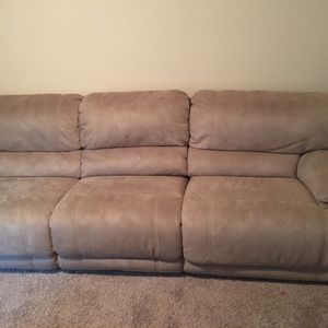 Star furniture oversize overstuffed sofa for Sale in Humble, TX