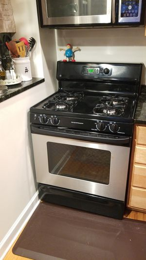 GE Eterna Series Gas Range for Sale in Chicago, IL