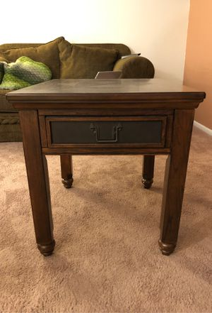 End table/ night stand for Sale in Denver, CO