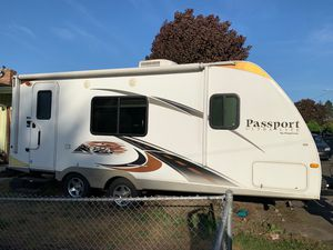 Passport Ultra Lite 25' Trailer for Sale in Camas, WA