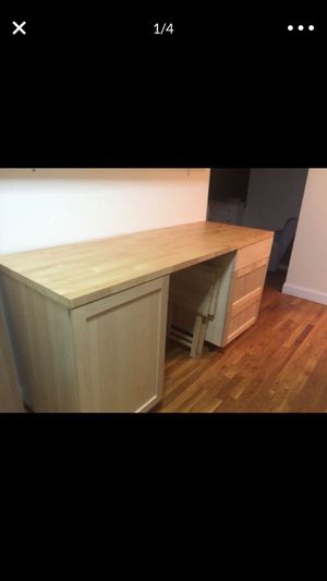 Kitchen cabinet table for Sale in New York, NY