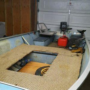 14 Ft Aluminum Fishing Boat for Sale in Tacoma, WA